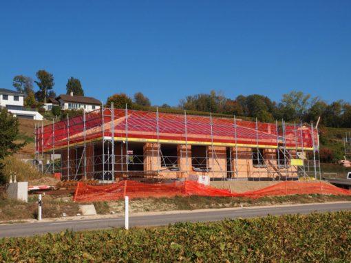 Echafaudages pour la construction d'une villa à Constantine près de Salavaux