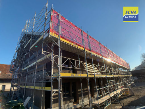 Echafaudages de façade pour une nouvelle construction à Rubigenstrasse 36 Belp BE